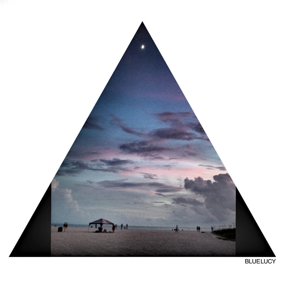 Triangle_moon_Beach_Bluelucy